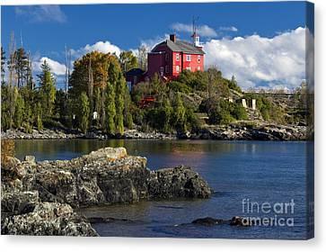 Marquette Harbor Light - D003224 Canvas Print by Daniel Dempster