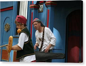Maryland Renaissance Festival - A Fool Named O - 121248 Canvas Print by DC Photographer