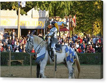 Maryland Renaissance Festival - Jousting And Sword Fighting - 121231 Canvas Print by DC Photographer