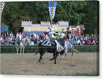 Maryland Renaissance Festival - Jousting And Sword Fighting - 121255 Canvas Print by DC Photographer