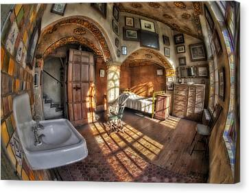 Master Bedroom At Fonthill Castle Canvas Print by Susan Candelario