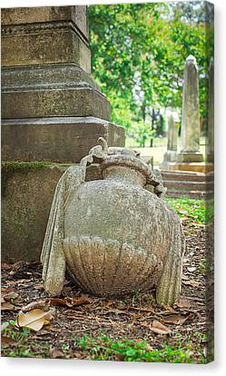 Memphis Elmwood Cemetery Monument - Fallen Canvas Print by Jon Woodhams