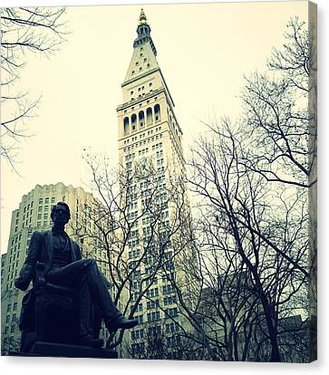Met Life And Madison Square Park Canvas Print by Natasha Marco