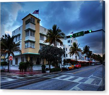 Miami - Deco District 020 Canvas Print by Lance Vaughn