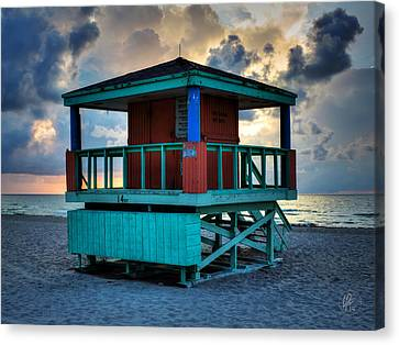 Miami - South Beach Lifeguard Stand 001 Canvas Print by Lance Vaughn
