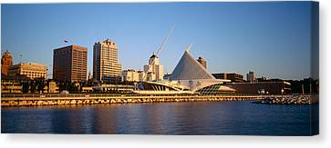 Milwaukee Art Museum Milwaukee Wi Canvas Print by Panoramic Images