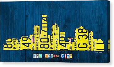 Milwaukee Wisconsin City Skyline License Plate Art Vintage On Wood Canvas Print by Design Turnpike