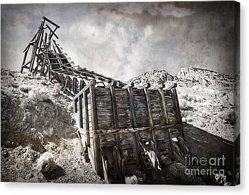 Mine Structure In Silver City Canvas Print by Dianne Phelps