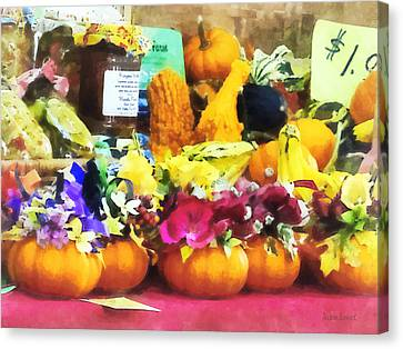 Mini Pumpkins And Gourds At Farmer's Market Canvas Print by Susan Savad