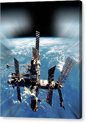 Mir Space Station In Orbit Canvas Print by Detlev Van Ravenswaay