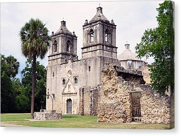 Mission Concepcion Well And Entrance In San Antonio Missions National Historical Park Texas Canvas Print by Shawn O'Brien