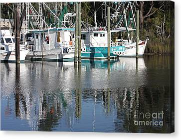 Mississippi Boats Canvas Print by Carol Groenen