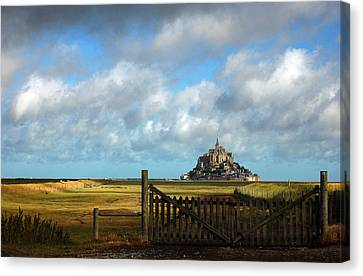 Mont Saint-michel Canvas Print by RicardMN Photography