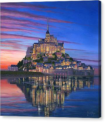 Mont Saint-michel Soir Canvas Print by Richard Harpum
