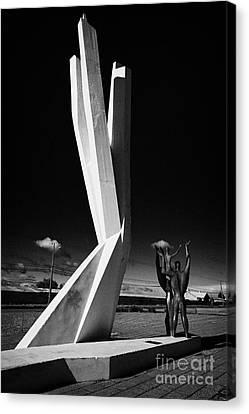monumento al inmigrante yugoeslavo yugoslavian immigration monument Punta Arenas Chile Canvas Print by Joe Fox