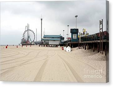 Morning At Seaside Heights Canvas Print by John Rizzuto