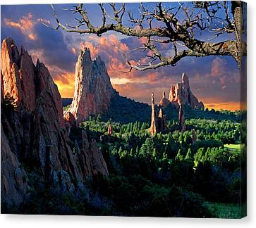 Morning Light At The Garden Of The Gods Canvas Print by John Hoffman