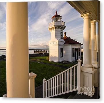 Mukilteo Lighthouse 1 Canvas Print by Tracy Knauer