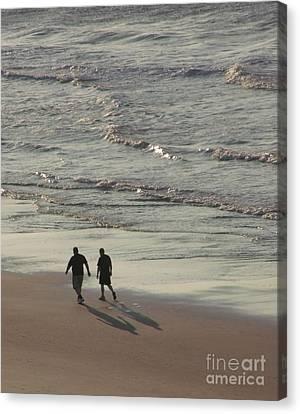 Myrtle Beach Walking Buddies Canvas Print by Gail Matthews