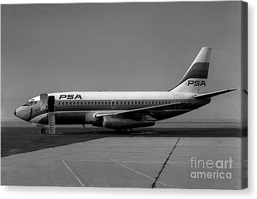 N462gb Boeing 737 At Long Beach California Canvas Print by Wernher Krutein