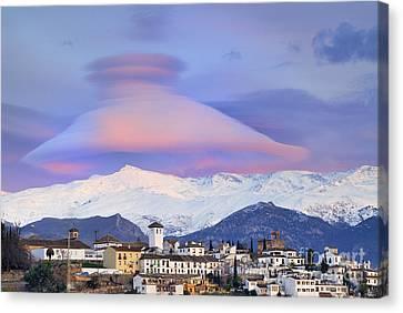Nasa Apod Cap Cloud Over The Sierra Nevada Canvas Print by Guido Montanes Castillo