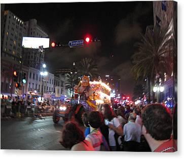 New Orleans - Mardi Gras Parades - 121248 Canvas Print by DC Photographer