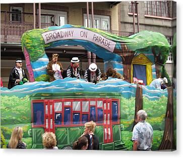 New Orleans - Mardi Gras Parades - 121282 Canvas Print by DC Photographer