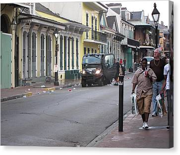 New Orleans - Seen On The Streets - 121252 Canvas Print by DC Photographer
