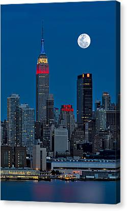 New York City Moonrise  Canvas Print by Susan Candelario