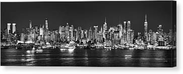 New York City Nyc Skyline Midtown Manhattan At Night Black And White Canvas Print by Jon Holiday