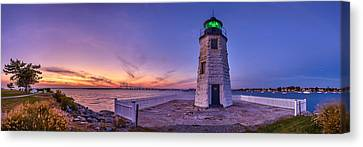 Newport Harbor Light At Sunset Canvas Print by Scott Lynde