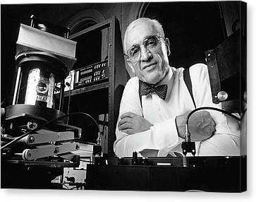 Nick Holonyak Canvas Print by Department Of Physics, University Of Illinois At Urbana-champaign, Courtesy Aip Emilio Segre Visual Archives