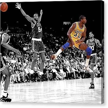 No Look Pass Canvas Print by Brian Reaves