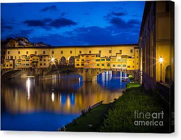 Notte A Ponte Vecchio Canvas Print by Inge Johnsson
