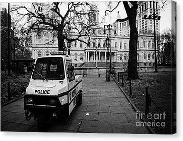 Nypd Police Three Wheeled Cushman Scooter Vehicle Outside City Hall Park New York City Canvas Print by Joe Fox
