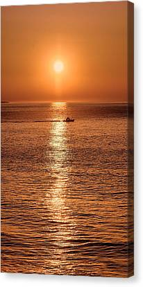Ocean Sunrise At Montauk Point Canvas Print by William Jobes