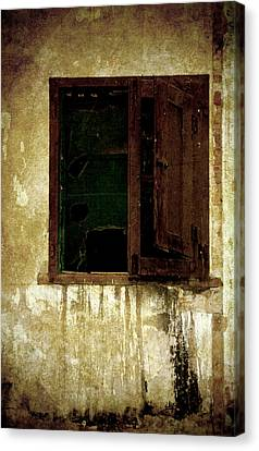 Old And Decrepit Window Canvas Print by RicardMN Photography