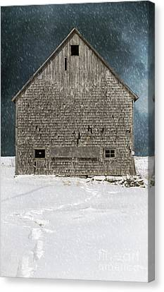 Old Barn In A Snow Storm Canvas Print by Edward Fielding