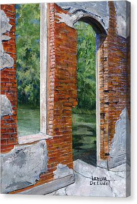 Old Building In Pleasant Hill Louisiana Canvas Print by Lenora  De Lude