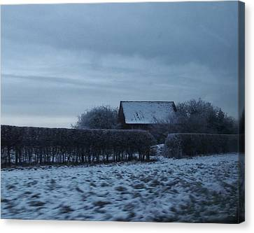 Old Farm House In Northern Yorkshire Canvas Print by Jan Moore