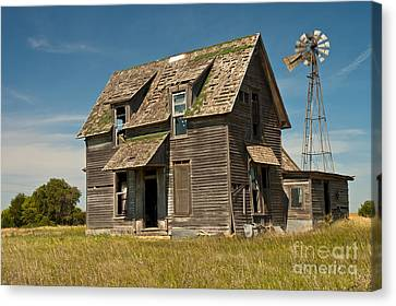 Old Farm House, Kansas Canvas Print by Richard and Ellen Thane