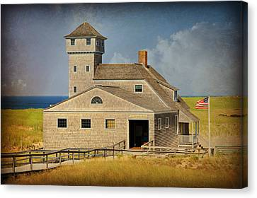 Old Harbor Lifesaving Station On Cape Cod Canvas Print by Stephen Stookey