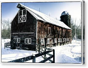 Old Jersey Farm In Winter Canvas Print by George Oze