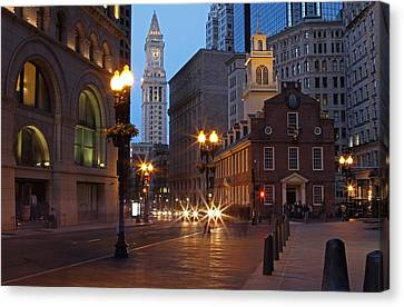 Old State House And Custom House In Boston Canvas Print by Juergen Roth