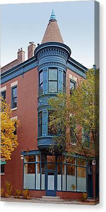 Old Town Triangle Chicago - 424 W Eugenie Canvas Print by Christine Till