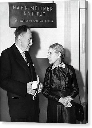 Otto Hahn And Lise Meitner Canvas Print by Emilio Segre Visual Archives/american Institute Of Physics