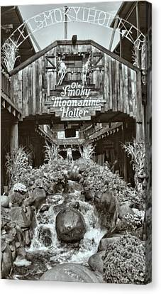Out In The Holler Canvas Print by Dan Sproul