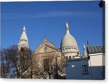Outside The Basilica Of The Sacred Heart Of Paris - Sacre Coeur - Paris France - 01131 Canvas Print by DC Photographer