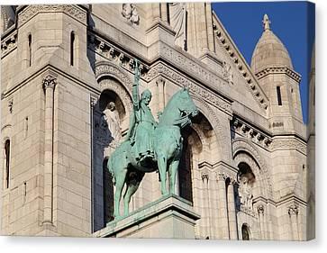 Outside The Basilica Of The Sacred Heart Of Paris - Sacre Coeur - Paris France - 01137 Canvas Print by DC Photographer
