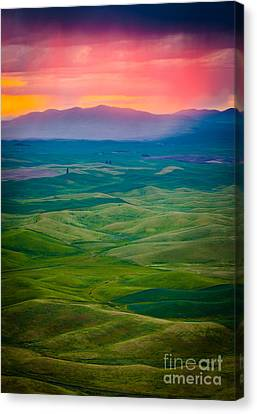 Palouse Storm At Dawn Canvas Print by Inge Johnsson